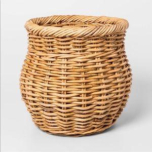 Threshold rattan basket